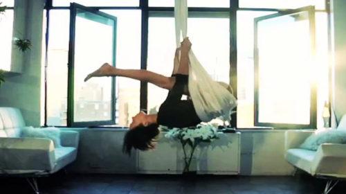 Inicia el otoño haciendo Fly Yoga